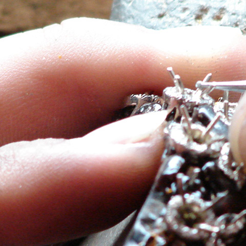 Washing diamond set piece close up