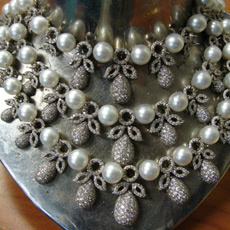 Finished diamond and pearl necklace