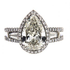 Notable diamond rings