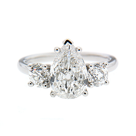 What Makes A Diamond Ring an Ideal Anniversary Gift