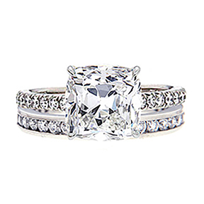 Romantic diamond engagement ring and wedding band set