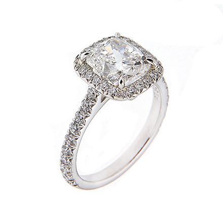 Cushion Cut Diamonds- An Elegant Addition to Jewelry