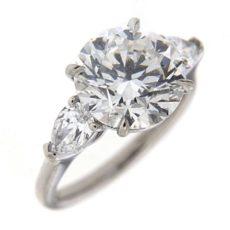 Brilliant Diamond Ring Side Stones