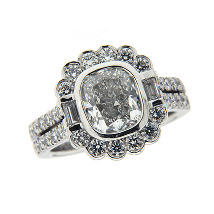 Oval Cut Diamond Engagement Rings