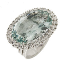 Oval Aquamarine & Diamonds Ring