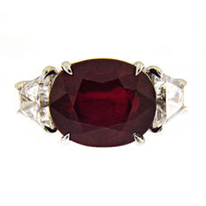 Oval Ruby and Diamonds Ring