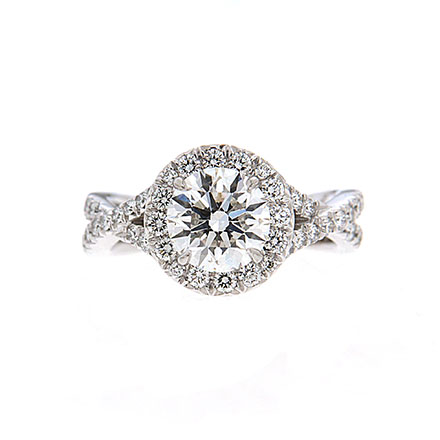 5 Invaluable Tips for Engagement Ring Buyers