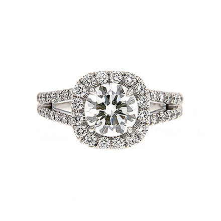 Vital Questions to Ask before Completing the Purchase of Your Engagement Ring